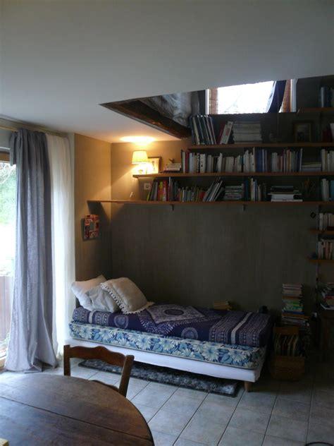 canapé imprimé salon classique en bois