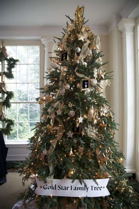 white house gold star family christmas tree michelle obama pictures photos of the first lady