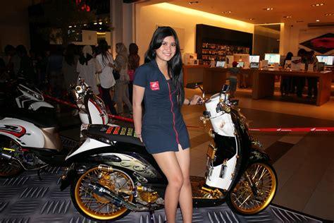 Modification Scoopy Velg 17 by Honda Scoopy Modifikasi Velg 17 Thecitycyclist