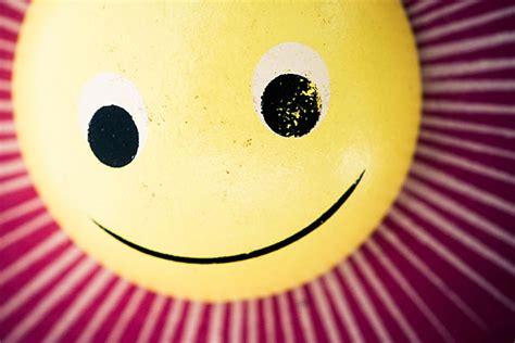 zeichen auf wäsche bedeutung smileys bedeutung der lustigen zeichen auf co