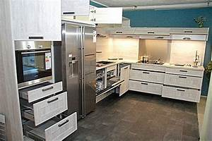 Küchen In Holzoptik : nobilia musterk che l k che mit side by side k hlschrank in moderner holzoptik ~ Markanthonyermac.com Haus und Dekorationen