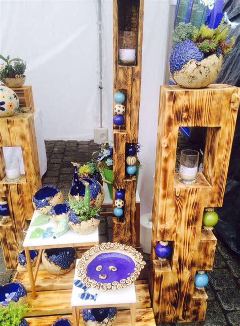 keramik kunst für den garten holzstele mit keramik meine keramik kunst f 252 r den garten