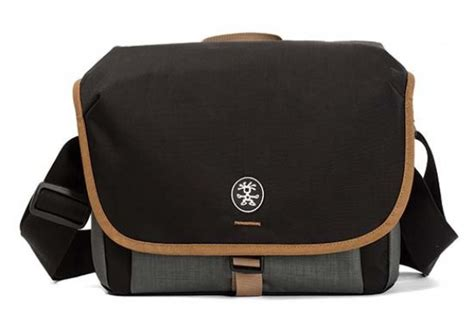 crumpler bags now available in the uk photography howldb