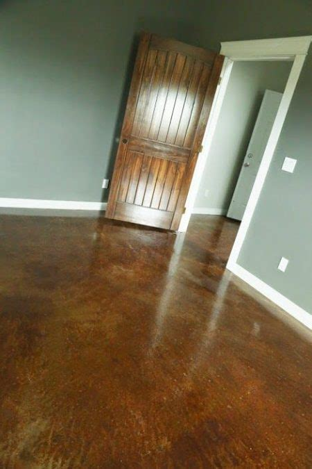 stain  finish concrete floors beautifully