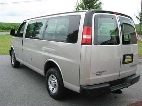 automotive repair manual 2005 chevrolet express 3500 spare parts catalogs purchase used 2005 chevrolet express 3500 base standard passenger van 3 door 6 0l in nazareth