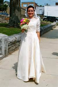 thrift store wedding dress d i y wedding dresses and bridesmaids edition