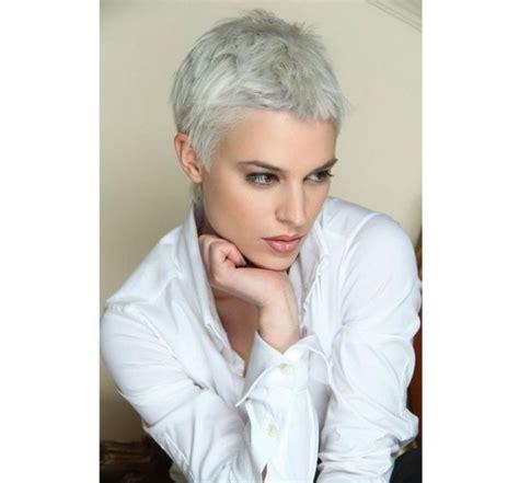 ultrakrótkie fryzury ekstremalnie wygodne i kobiece