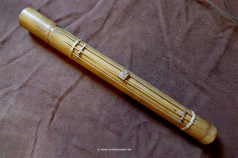 Tapi sebenarnya, jentreng berbeda jauh dengan jentreng. Mengenal 7 Alat Musik Tradisional Sulawesi Barat, Eksotis ...