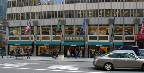 New York Barnes And Noble by Barnes Noble Booksellers Fifth Ave In New York Ny