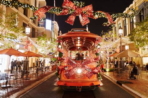 The Most Festive Things To Do In La This Christmas