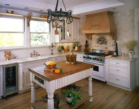 Farmhouse Style Kitchen Design
