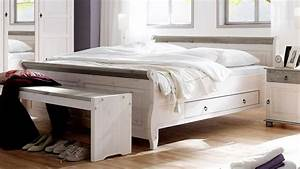 Bett 200x200 Weiß Holz : bett oslo doppelbett aus kiefer massiv wei lava 200x200 cm ~ Bigdaddyawards.com Haus und Dekorationen