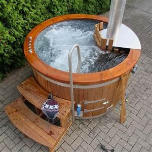 Garten whirlpool garten jacuzzi aussen whirlpool hot for Whirlpool garten mit tauben abwehren balkon