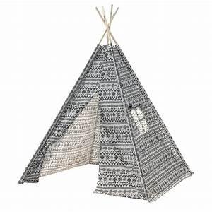 Tipi Pour Enfant : tipi troy montants en bois et tissu motifs tribal en tissu noir et blanc ~ Teatrodelosmanantiales.com Idées de Décoration