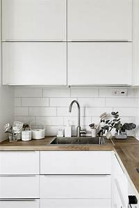 Quelle credence avec plan de travail bois awesome quelle for Idee deco cuisine avec cuisine avec carrelage gris clair