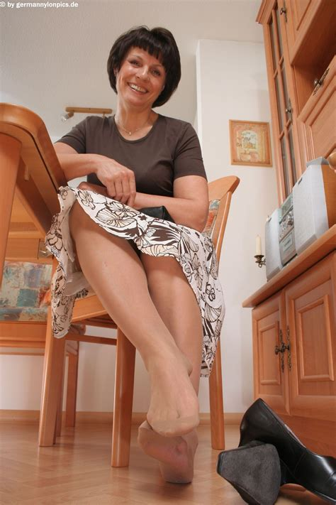 12 In Gallery Milfs Feet In Tan Pantyhose Picture 12
