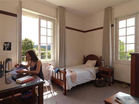 chambre etudiant rennes logement étudiant à rennes le loyer s élève à 401 euros