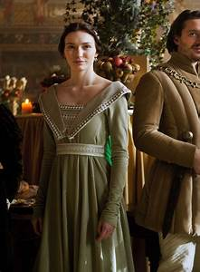 Eleanor Tomlinson as Lady Isabel Neville in The White ...