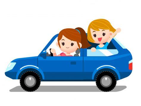 voiture avec 3 sieges arriere ensemble de personnes femme au volant de voiture avec