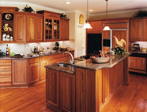 holiday kitchens usa kitchens  baths manufacturer
