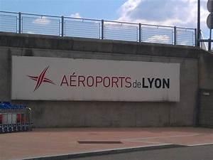 Aéroport De Lyon Parking : privatisation de l a roport lyon saint exup ry le s nat donne son feu vert ~ Medecine-chirurgie-esthetiques.com Avis de Voitures