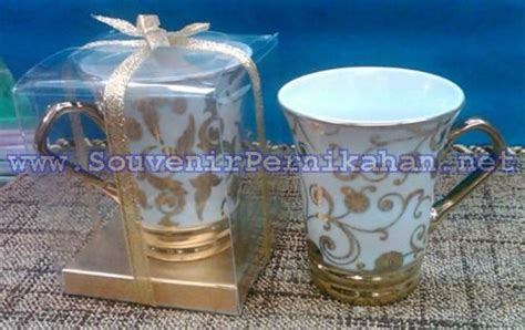souvenir gelas keramik cantik souvenir pernikahan