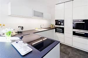 Küche Weiß Hochglanz Grifflos : k cheneinbauger te k chenhaus thiemann ~ Eleganceandgraceweddings.com Haus und Dekorationen