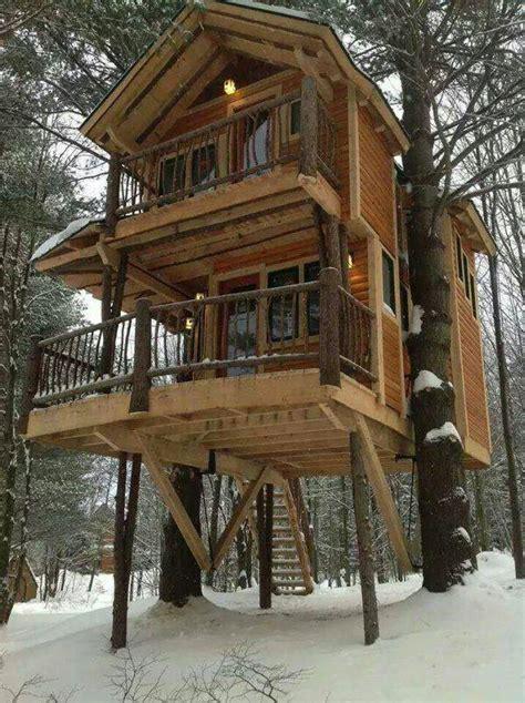 story tree house tree houses  adults  story log cabins treesranchcom