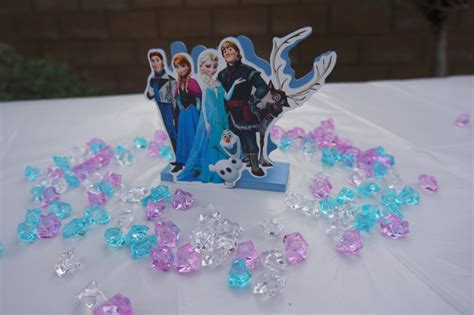 disney frozen table centerpiece frozen cake decorating ideas party invitations ideas