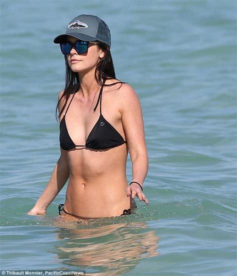lee pace bikini billy joel s ex katie lee bikini shows off svelte figure