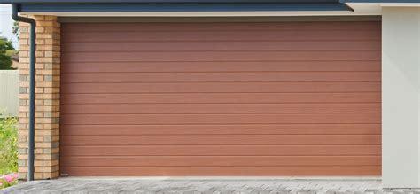 porte de garage enroulable simple 224 mettre en place