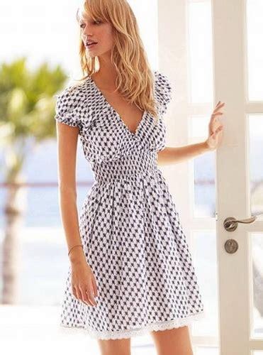 wear trendy black  white dress beauty  health