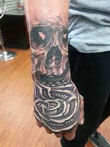 21+ Money Rose Tattoo Designs For Hand