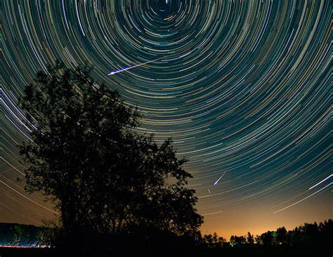 foto foto hujan meteor perseid   memukau blog