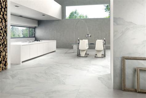carrara marble bathroom designs carrelage imitation marbre élégant et facile à entretenir
