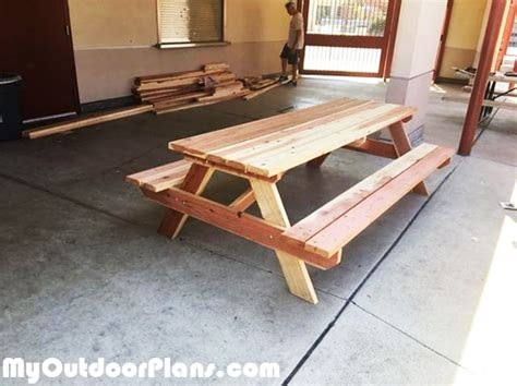 diy  ft redwood picnic table myoutdoorplans
