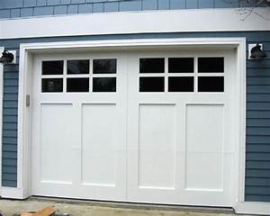 Best 25 garage door styles ideas on pinterest garage for Carriage style garage doors with windows