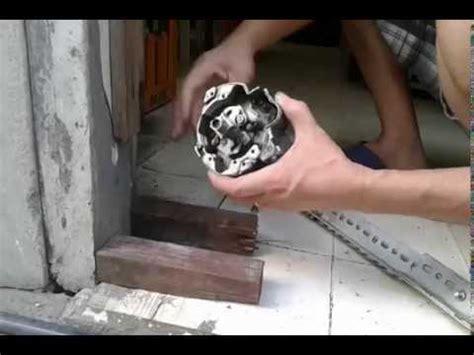 remove mitsubishi distributor shaft internal
