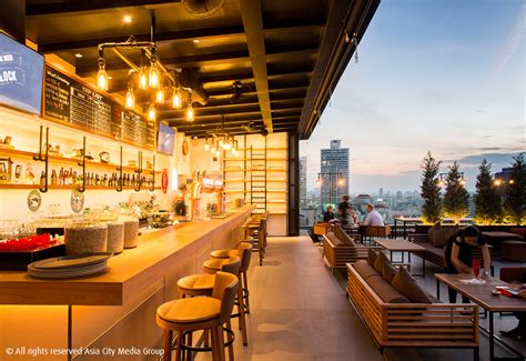 bars  bangkok  drink beer   beer bk