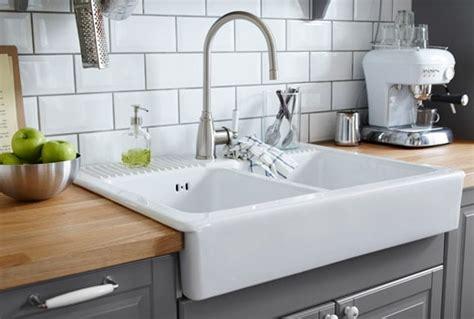 Kitchen Sinks & Kitchen Faucets