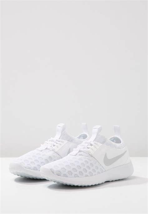 Best 25  White nike shoes ideas on Pinterest   White nikes