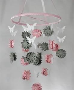 Basteln Mit Mädchen : baby mobile selber basteln papier 3d blumen rosa grau ~ Lizthompson.info Haus und Dekorationen