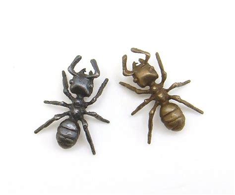 Carpenter Ant Lapel Pin | The HEXAPODA Collection
