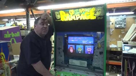 676 Bally Midway Rampage Arcade Video Game 3 Player Tnt