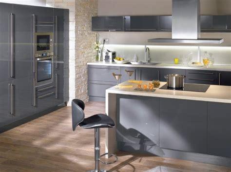 idee deco cuisine grise déco cuisine grise et beige exemples d 39 aménagements
