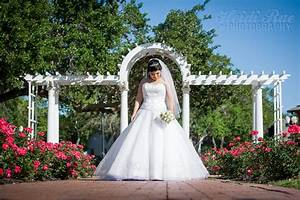 Heritage park bridal portraits heidi rae photography for Wedding dresses corpus christi