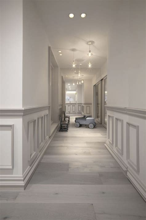 Modern Wainscoting Ideas by 25 Best Ideas About Wainscoting On