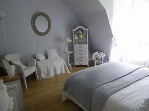 Deco Chambre Ami : rangement chambre d amis ~ Melissatoandfro.com Idées de Décoration