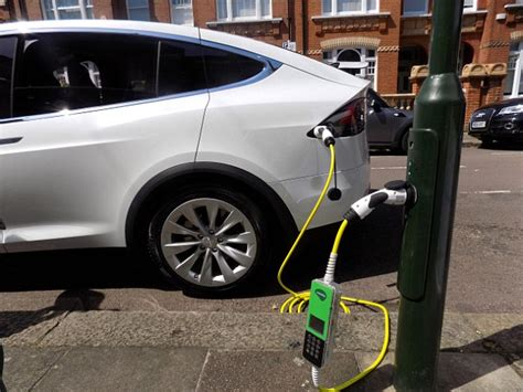 £1k Conversion Can Turn London Lamp Posts Into Ev Chargers
