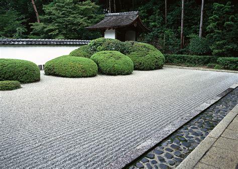 Zen Garden : How To Zen Your Garden In Just Five Minutes